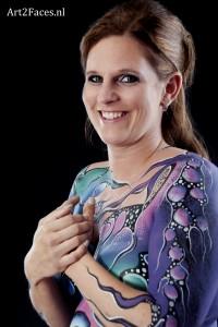 Bodypaint als eerbetoon aan je borsten ( BRCA )